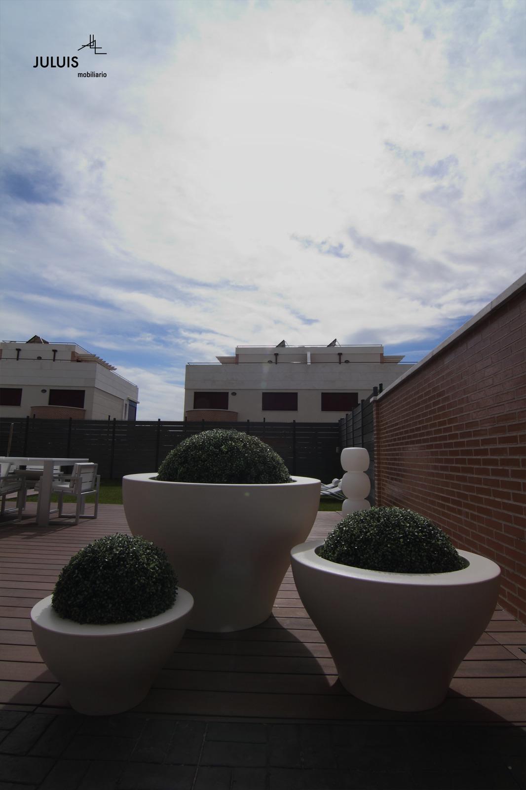 Juluis_Exterior-Gandia-Blasco-Viabizzuno-06